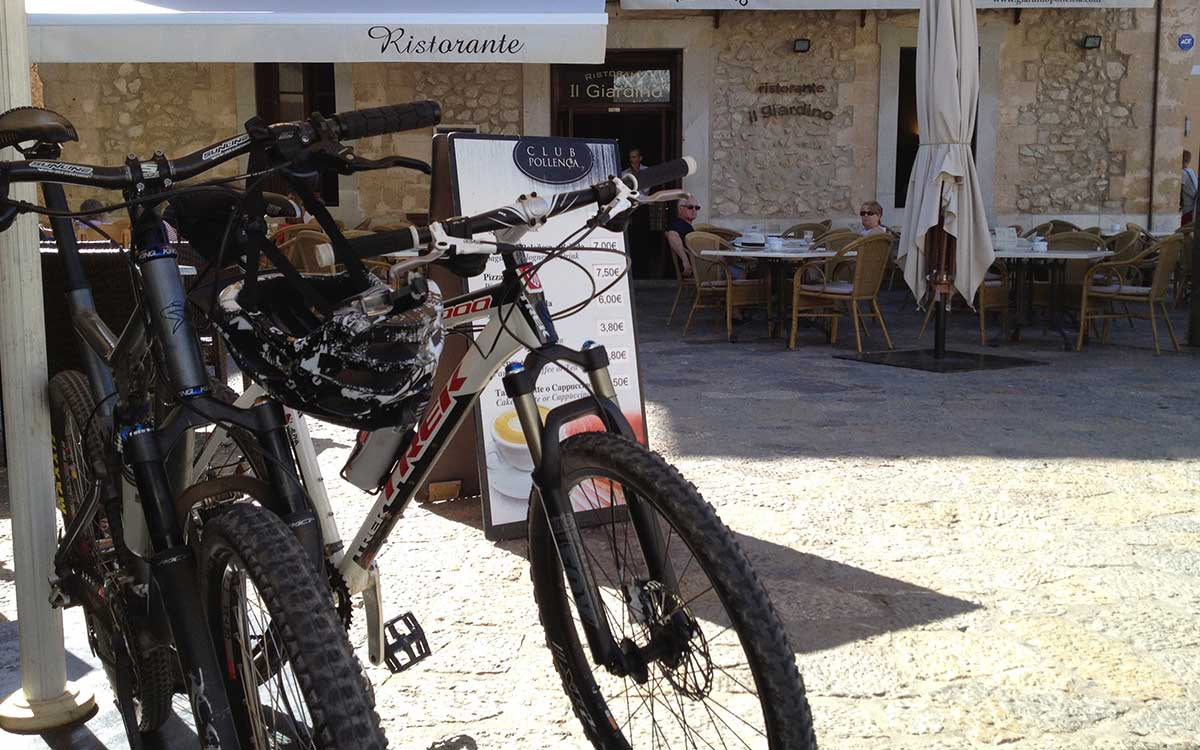 Good coffee, wine, lunch… along scenic routes